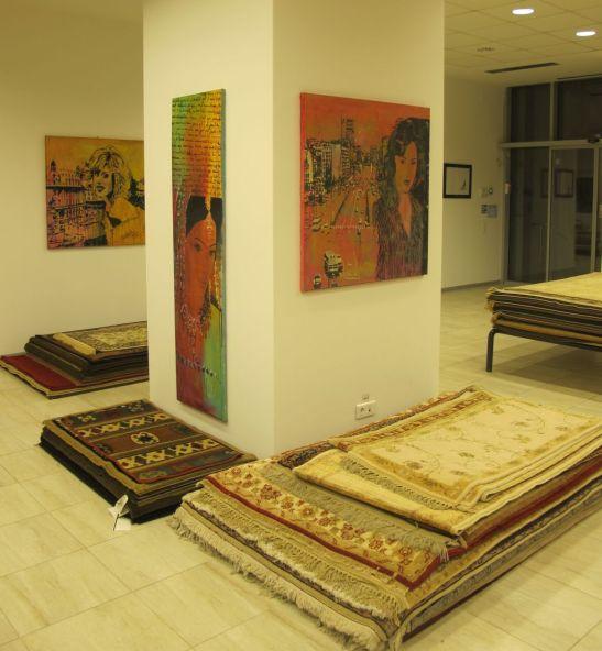 Magazinul Flying Carpets din Bd. Nicolae Titulescu 10, Bucuresti, are expuse si lucrarile Mirelei Traistaru