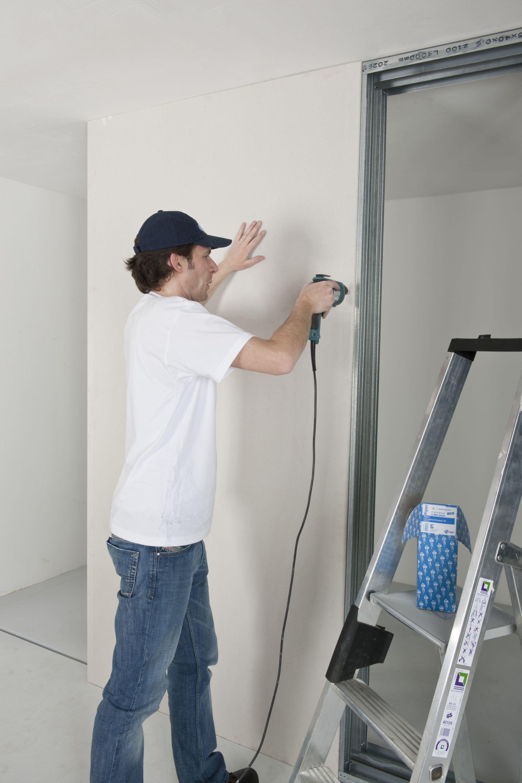 Profilele folosite pentru construcţia peretelui Rigips sunt standard şi duble. Grosimea peretelui rezultată în cazul acestui proiect a fost de 12,5 cm.