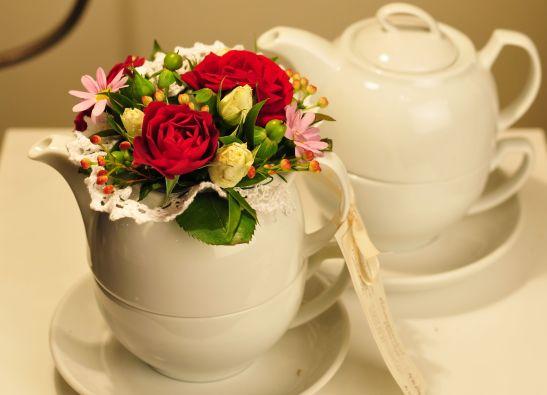 Aranjament floral in ceainic de la Flor de May