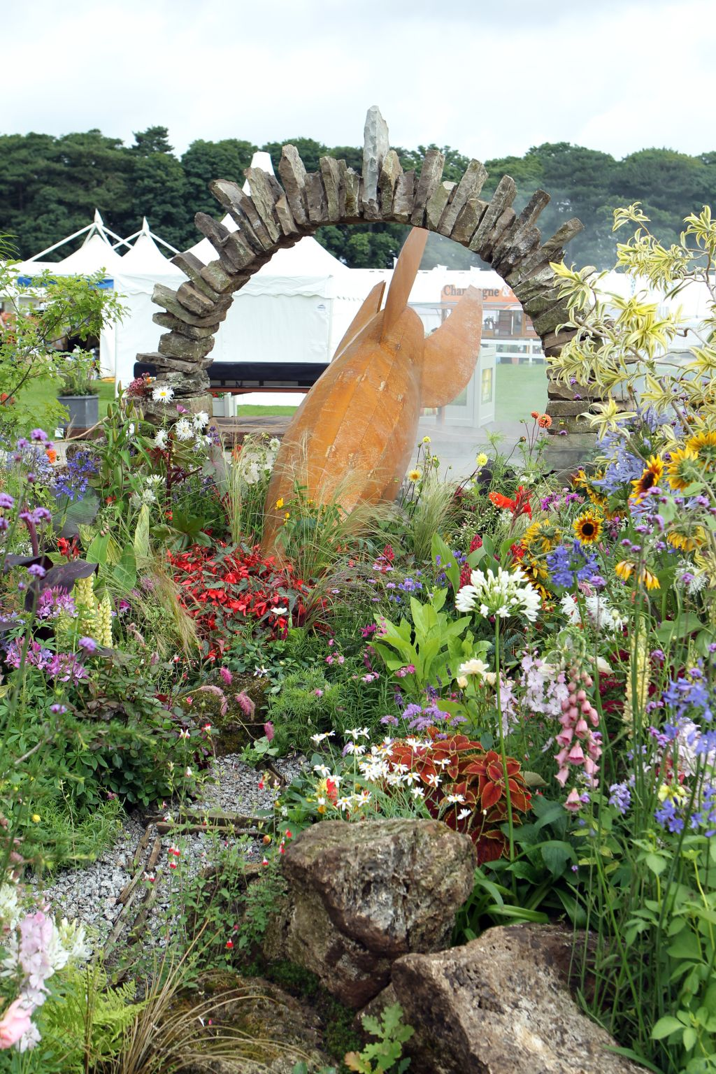 Calatorie interplanetara, proiect de Tatton Park Garden la RHS Flower Show Tatton Park, Londra. Foto Andy Paradise