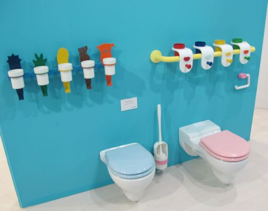 Colectia de vase wc si accesorii baie pentru copii Bagno Cucciolo de la Ponte Giulio