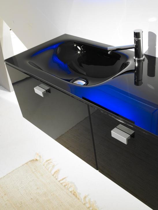 Lavoar negru din sticla colorata fabricat de Top Stil Virginia