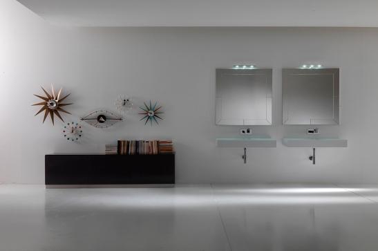 Solutie pentru baie matrimoniala cu lavoare sticla, oglinzi si mobila de la Top Stil Virginia
