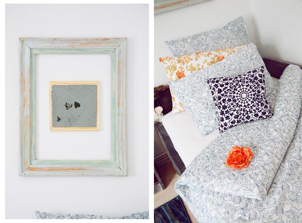 Aceleasi nuante delicate se regasesc in decoratiunile camerei. Proiect Valdecor