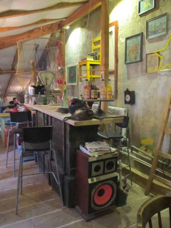 Barul cafenelei Acuarela