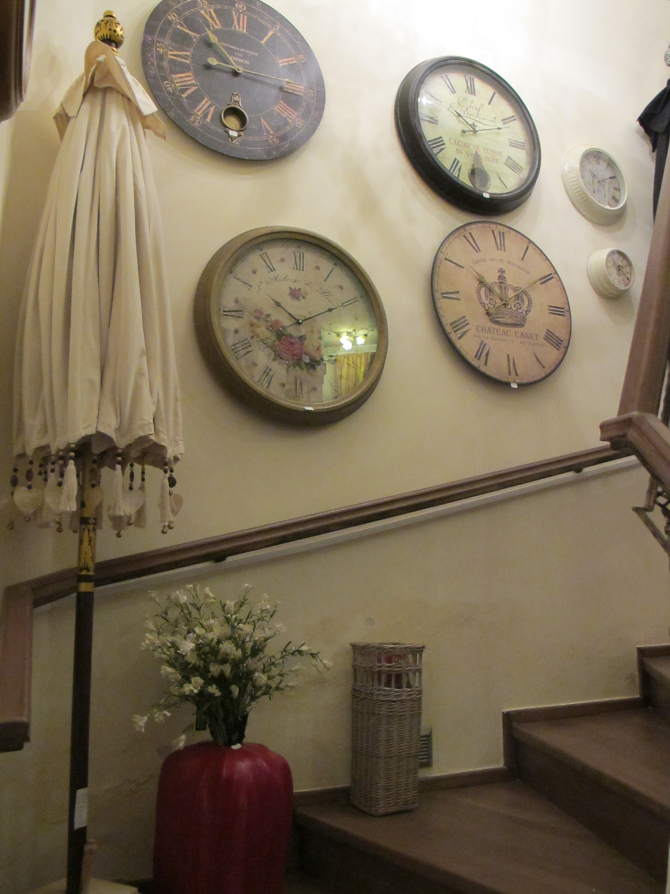 Ceasuri la Pierrot decoratiuni cu preturi incepand de la 200 lei