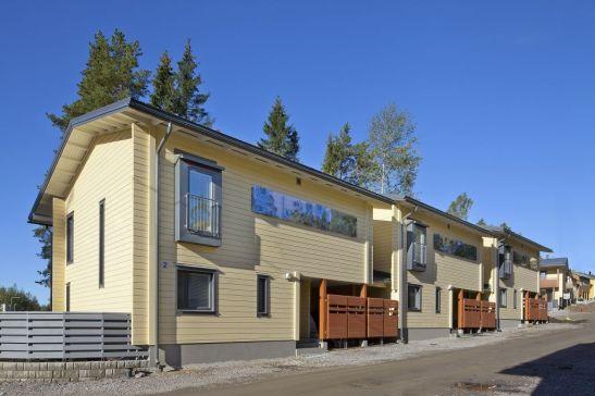 Complex de locuinte rezidentiale construite cu sisteme din lemn masiv Honka