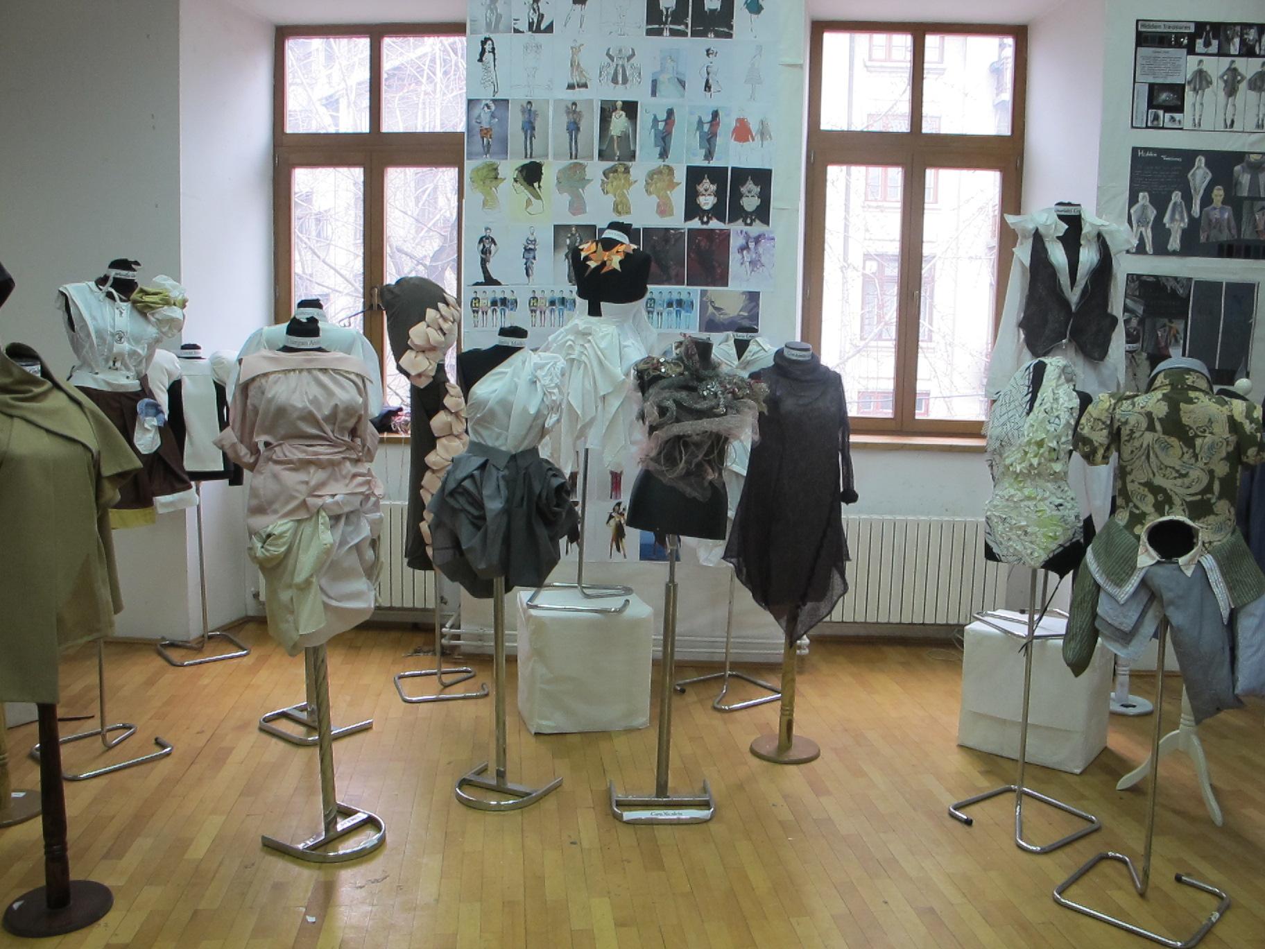 Creatiile studentilor de la Moda, Anul II, UNArte, februarie 2013