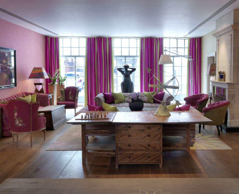 Drawing Room - spatiu pentru oaspeti la The Soho Hotel, designer Kit Kemp