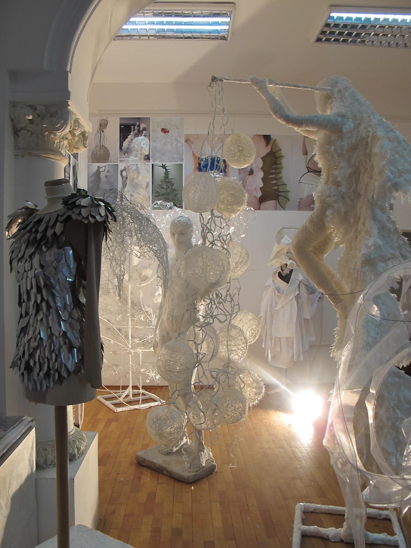 Lucrarile stundetilor de la Moda, master, UNArte, februarie 2013