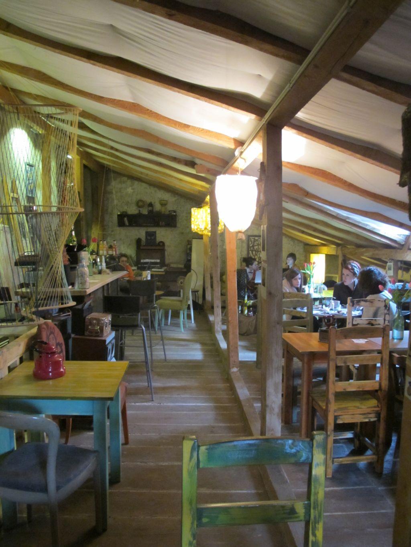 Mansarda cafenelei Acuarela