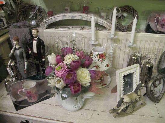 Rame foto vintage, clopotei si figurine deco la Mon chic jardin