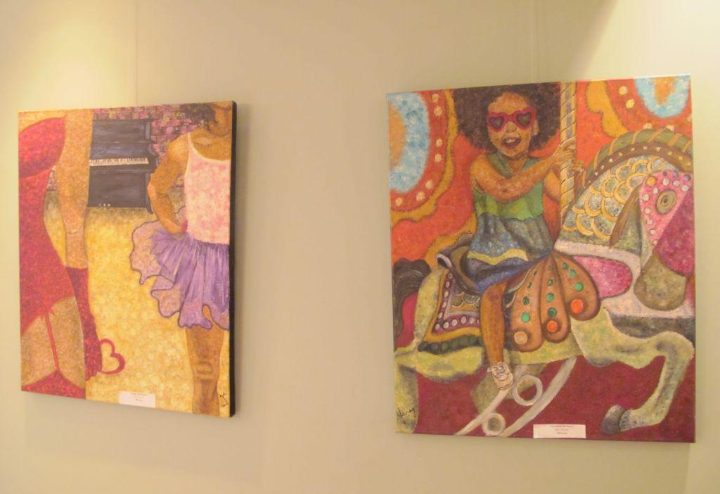 Stanga: Happy Valentine, 60 x 50 cm, 80 euro;  dreapta: Carousel de Paris, 60 x 50 cm, 150 euro, Artist Orly Yanay