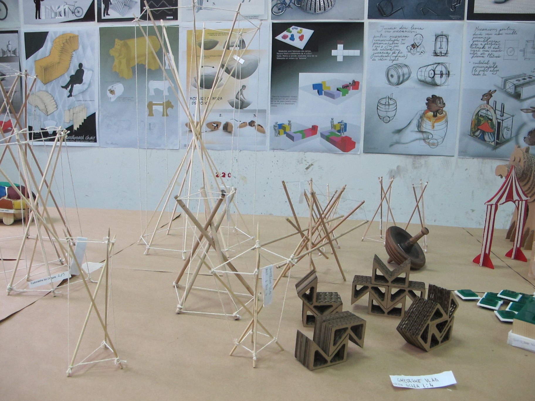 Studii si machete realizate de catre studentii de la design, UNArte, februarie 2013