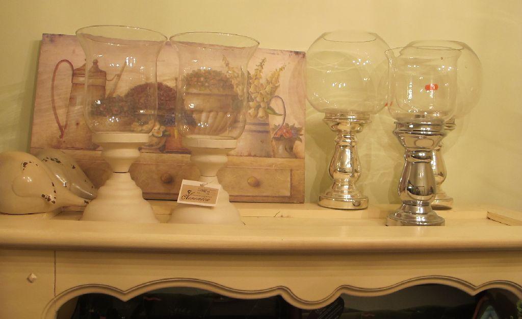 Suporturi elegante din sticla pentru lumanari de la Mon chic jardin