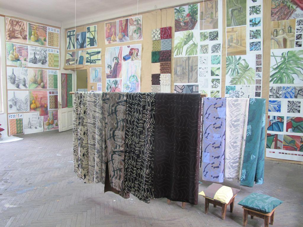 Textile imprimate manual de catre studentii UNArte, anul I si II, Arte Textile, februarie 2013
