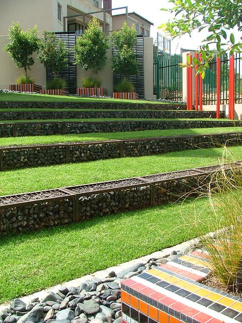 Amenajare de gradina www.badecbros.com