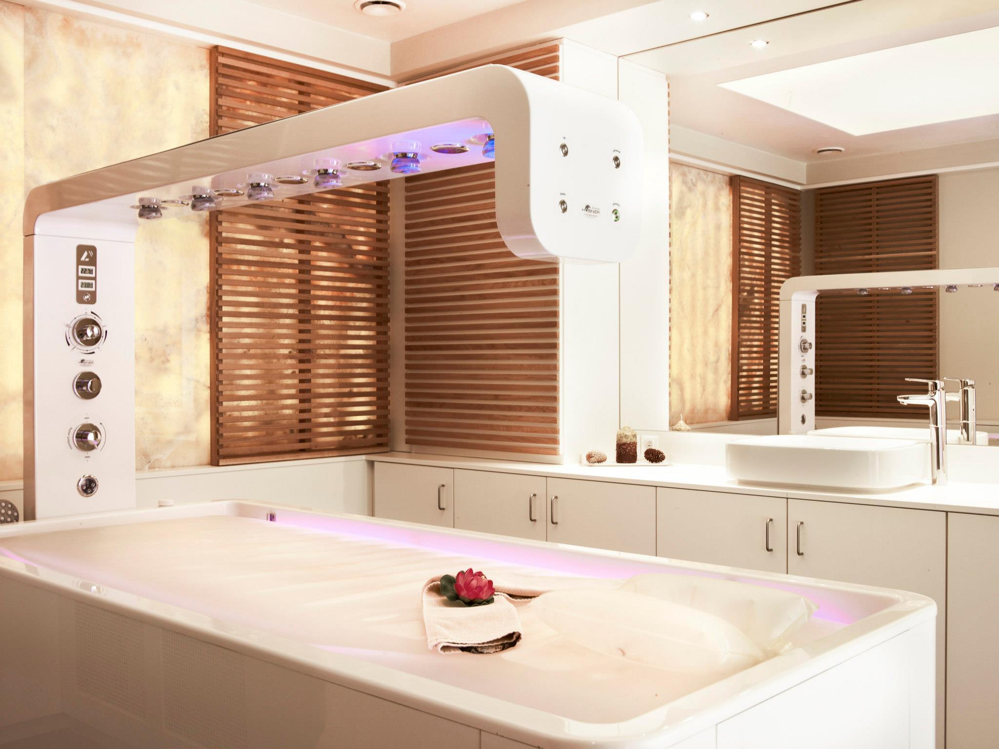 Camera de cromoterapie de la centrul Spa din cadrul Hotelului Ana Sport