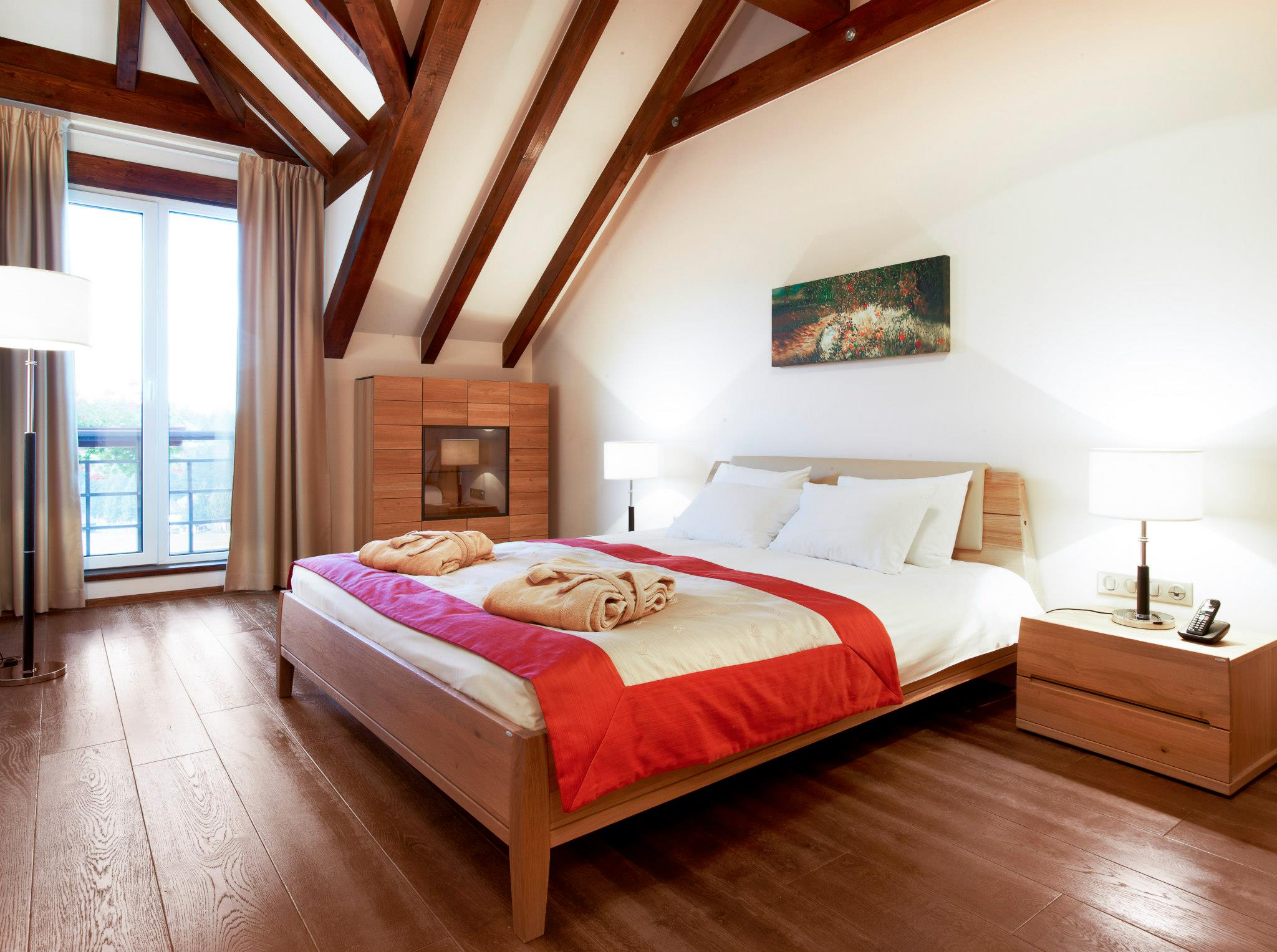 Dormitor din cadrul Presiadential Suite de la Hotal Ana Sport
