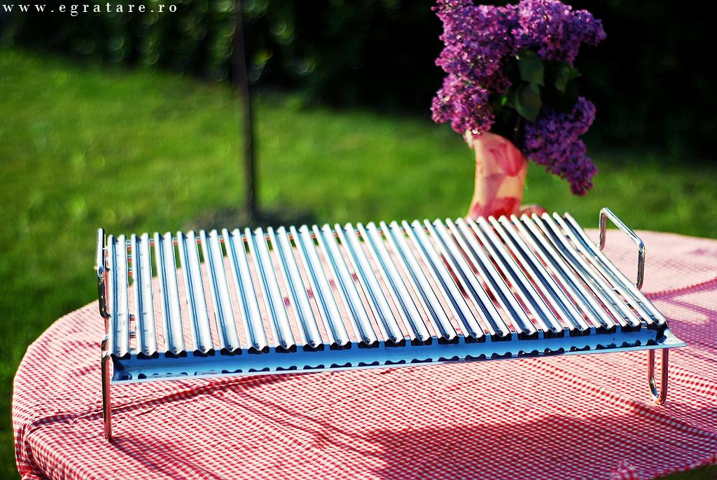 Grillul din inox cu picurator poti sa-l folosesti si la picnic