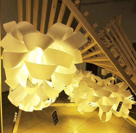 Lampi create de 11 am architects, arh. Mihaela Cojan, arh.Andrei Radu si arh. Simona Mihail, Autor 4 noiembrie 2012