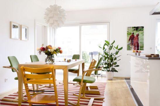 Pentru inspiratie interior de sufragerie SchwoererHaus vopsita in alb