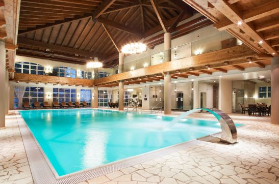 Piscina interioara din cadrului cnetrul Spa de la Hotel Ana Sport