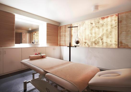Sala de masaj la centrul Spa din cadrul Hotel Ana Sport