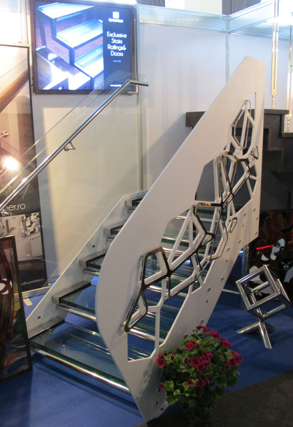 Scara concept Bogdan Samoila prezentata la standul SUPERFABER de la Ambient