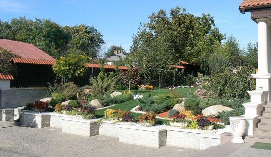 adelaparvu.com despre gradina Belle Jardin Iasi (1)