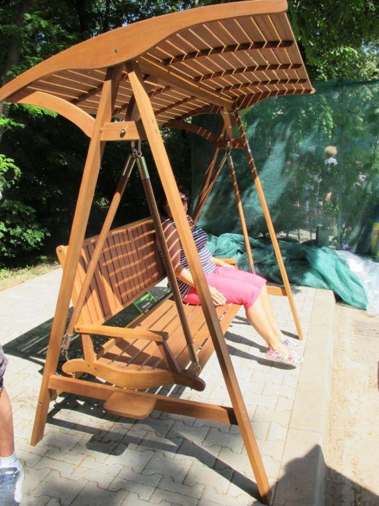 Balansoar din lemn masiv 3 locuri pret 1000 lei de la Dunex