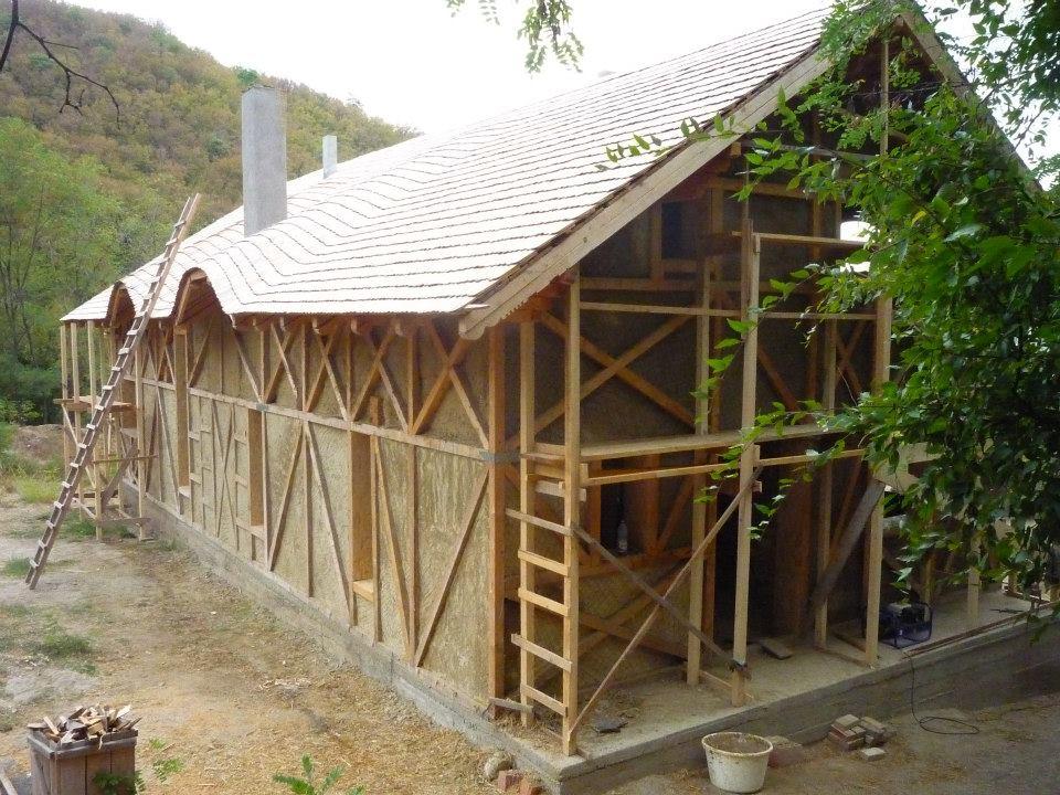 Casa in Valea Nucului Buzau construita cu sistemul Earth Safe Design