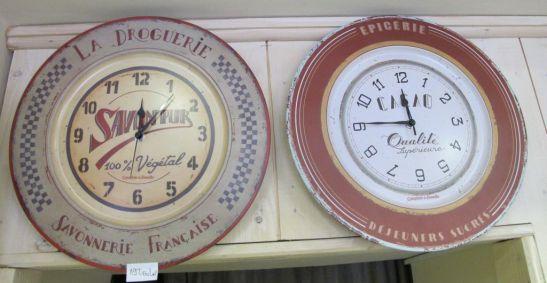 Ceasuri cu decor vintage pret 198 lei gasesti la Comptoir de Famille