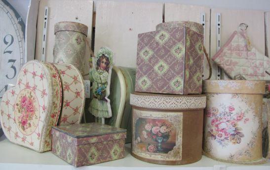 Cutii de diferite marimi si forme in stil vintage si shabby chic pret de la 30 lei la Yankee Land