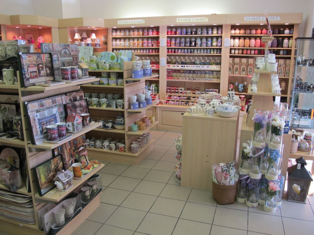 Gama completa de lumanari parfumate Yankee Candle in magazinul Yankee Land