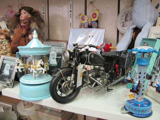 Jucarii cu design vintage si obiecte decorative de colectie de la Yankee Land