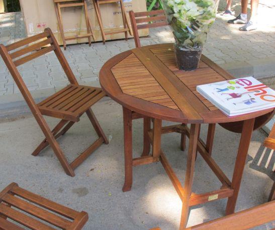 Masa cu laterale rabatabile si patru scaune - tot setul la 500 lei din lemn masiv de la Dunex