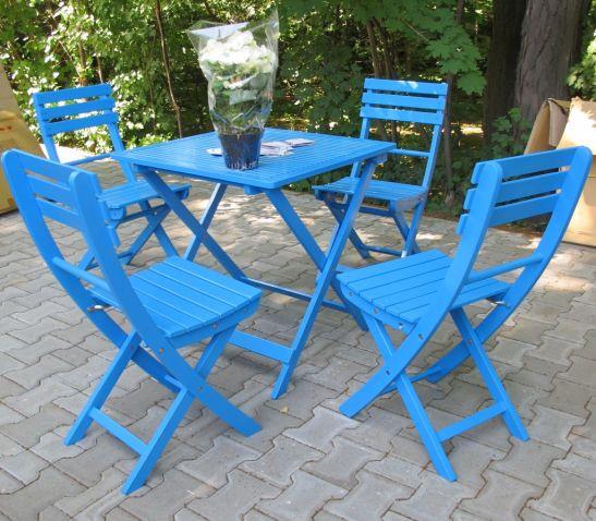 Masa pret 95 lei scaune pret 65 lei din lemn vopsit in diferite nuante de la Dunex