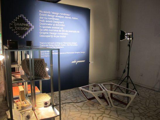 Masa Primo din mai multe module creata de Simplexio expusa la Romanian Design Week 2013