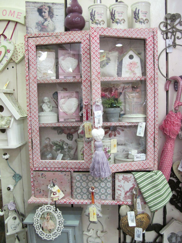 Mic mobilier si accesorii decorative de la Yankee Land