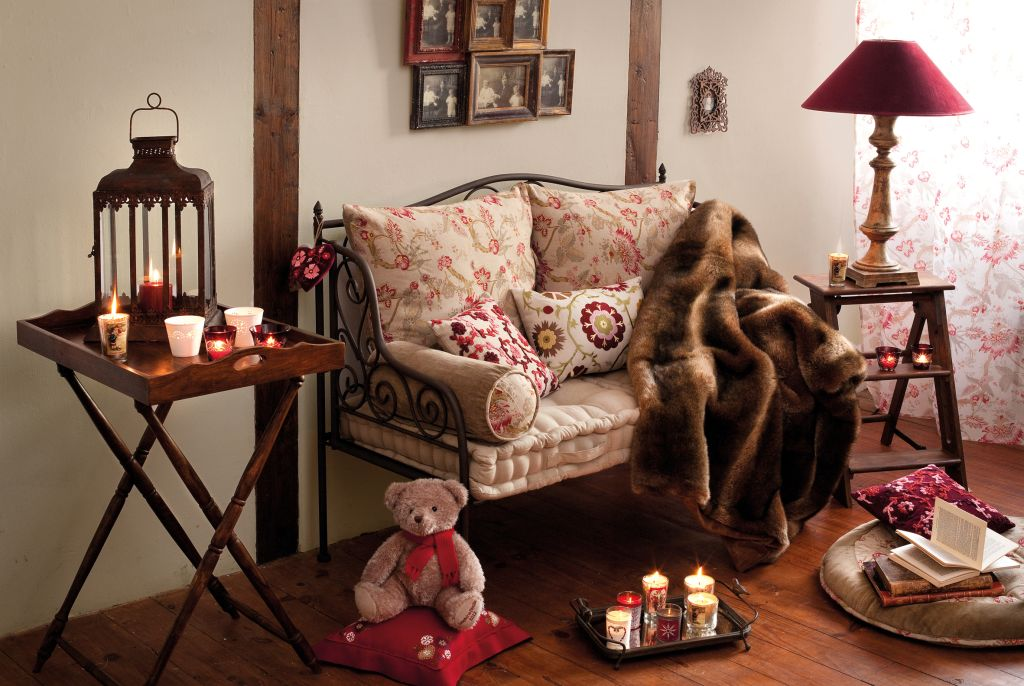 Obiecte si mic mobilier din colectia Comptoir de Famille