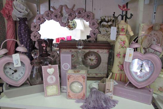 Obiecte si produse cosmetice cu ambalaj shabby chic de la Yankee Land
