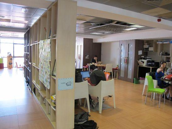 Separare cu biblioteci a spatiului de lucru de la etajul 3