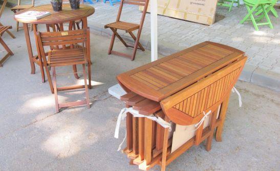 Setul masa si patru scaune se poate strange si depozita intr-un loc mic pret 500 lei setul de la Dunex