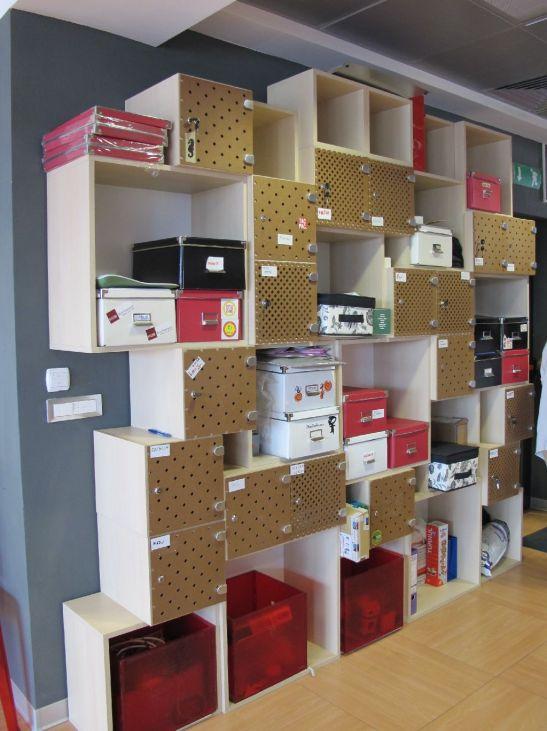 Spatii de depozitare create de Dragos Scurtulescu din cutii IKEA