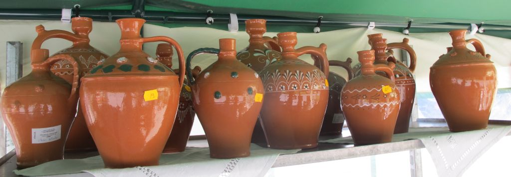 Ulcioare din ceramica smaltuita pret intre 18 si 25 lei de la Curtea de Arges
