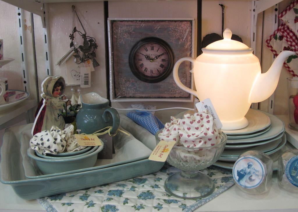 Vesela, accesorii si decoratiuni pentru bucatarie de la Yankee Land
