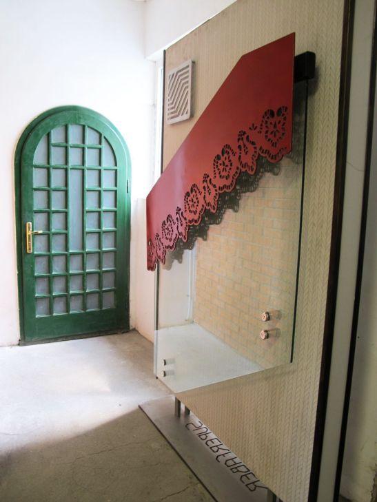 Model de balustrada cu sticla si trafor metalic de la SuperFaber
