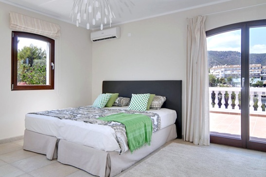 Dupa ambientare dormitor in vila cu design clasic