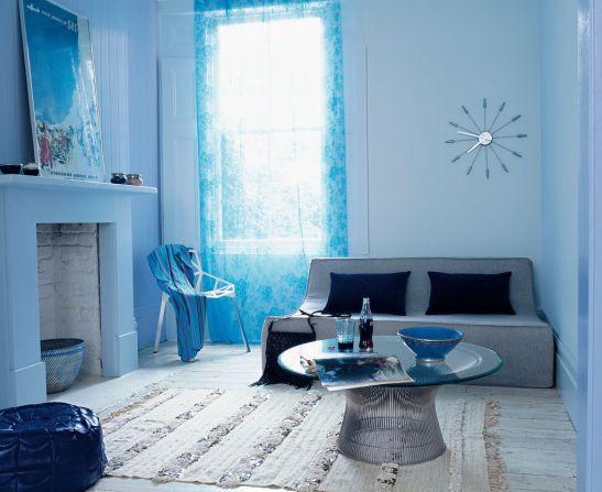 Albastru dulce si pal in living Foto Copyright © Akzo Nobel